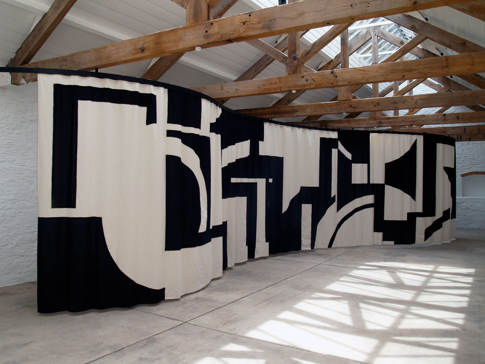 Untitled, 2008<br/>cotton, metal rail<br/>2,70 x 13 m