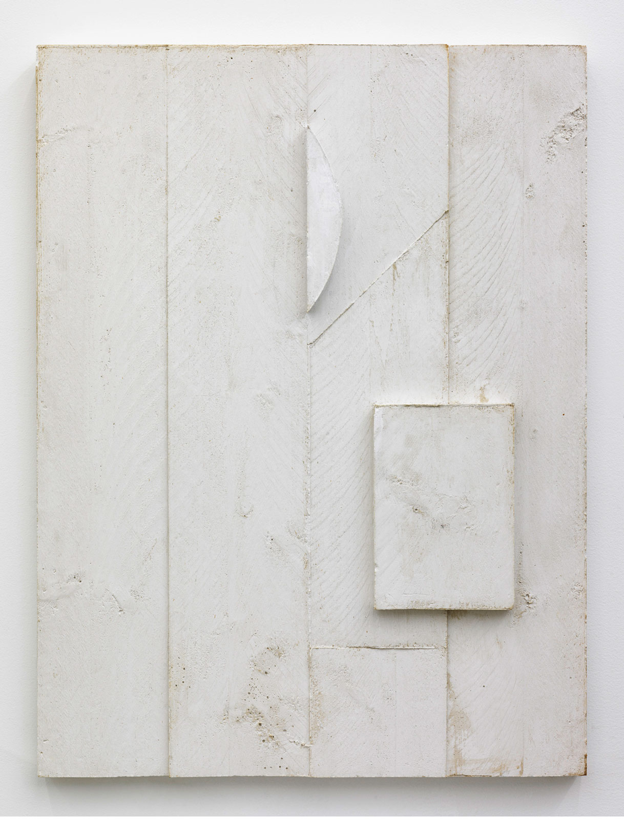 Untitled, 2014<br/>plaster<br/>60 x 80 x 5 cm